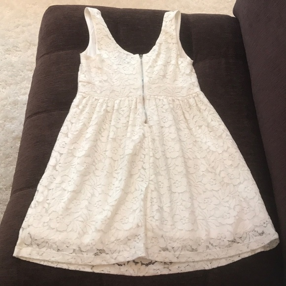 Wet Seal Dresses & Skirts - Size 4 ivory lace/nicely lined sundress